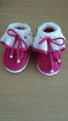 Knit Baby Shoes, Crochet Baby Boots, Knit Baby Dress, Knitted Baby Clothes, Booties Crochet, Baby Booties Knitting Pattern, Baby Knitting Patterns, Baby Girl Patterns, Baby Slippers