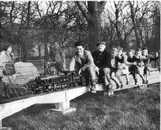 Nostalgia: Latest Nostalgia pieces from Teesside Live Old Pictures, Old Photos, Middlesbrough England, 1970s Childhood, Albert Park, North East England, Birthday Cards For Men, Documentary Photography, North Yorkshire