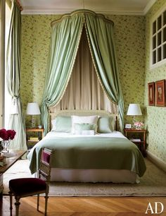 château du grand-lucé, loire valley -- waverly wallpaper -- schumacher canopy -- interior design by timothy corrigan -- photo by eric piasecki -- ad