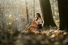 Photo *** by Luis Valadares on Emotional Photography, Teen Photography, Natural Light Photography, Autumn Photography, Outdoor Photography, Portrait Photography, Poses Photo, Outdoor Pictures, Outdoor Shoot