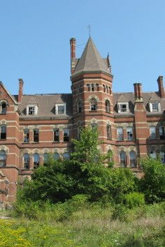 Hudson River State Hospital has overlooked the Hudson River for 136 years and is located in Poughkeepsie, New York. It was built in 1891. kg