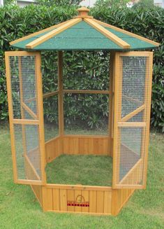 Details about Pets Imperial® Large Wooden Hexagonal Bird Aviary Cage Birds Parrot Canary Big Bird Cage, Large Bird Cages, Parrot Pet, Parrot Toys, Chicken Cages, Diy Chicken Coop, Bird Cages For Sale, Cages For Birds, Bird Aviary For Sale