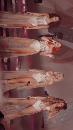 little mix lockscreens Jesy Nelson, Perrie Edwards, Little Mix Girls, Little Mix Outfits, Fes, Little Mix Photoshoot, Litte Mix, Mixed Girls, Mixer