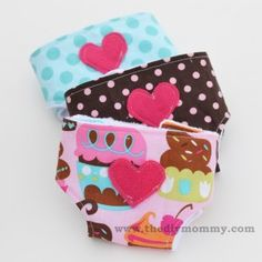 Sew a Deluxe Dolly Diaper Bag and Accessories (Dolly Diapers, Wipes Case, Changemat & Bib) | The DIY Mommy