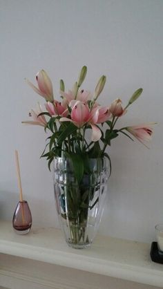 Beginning to bloom. Lilies are gorgeous for an elegant, shabby chic look. Ways To Recycle, Growing Flowers, Repurposed Furniture, Cottage Chic, Lilies, Floral Watercolor, Decoupage, Glass Vase, Recycling