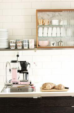 6 Quick Tricks: Minimalist Interior Grey Monochrome minimalist home vintage living rooms.Minimalist Home Design Desk Areas minimalist decor white simple. Modern Kitchen Design, Interior Design Kitchen, Home Design, Design Bathroom, Kitchen Designs, Design Ideas, Attic Design, Attic Bathroom, Kitchen Trends