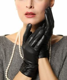 Warmen Women's Lambskin Leather Cold Weather Gloves with Crossing Bow (6.5, Black ( Touchscreen Function/Wool Lining )) at Amazon Women's Clothing store: