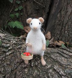 Berry hunter mouse by HandmadeByNovember on Etsy, $40.00
