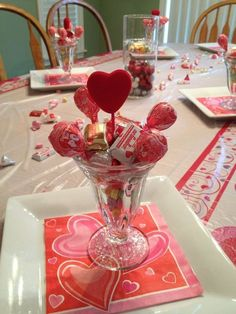 Lovely Valentine Table Decor Ideas - Half a month prior I went to a close dinner gathering and figured the introduction would be incredible for a Valentine Day dinner. These Valentine& d. Valentine Day Table Decorations, Simple Table Decorations, Decoration Table, Valentines Day Tablescapes, Centerpiece Ideas, Saint Valentin Diy, Valentinstag Party, Valentines Day Baskets, Party
