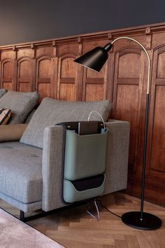 Never lose your devices again with our smart couch organizer. Forget about those ugly cables and charge 5 devices at a time. Blue Couches, Smart Design, Living Room Interior, Desk Lamp, Kids Room, House Design, Organization, Heavenly, Kangaroo