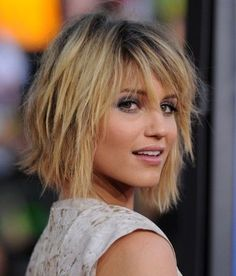 Bob hairstyles 2013 are favorite hairstyles in 2013 for girls. Bob hairstyles 2013 are best with all Long bob hairstyles 2013 and short bob haircuts Messy Bob Hairstyles, My Hairstyle, Hairstyles For Round Faces, Short Hairstyles For Women, Straight Hairstyles, Bob Haircuts, Layered Hairstyles, Medium Haircuts, Spring Hairstyles