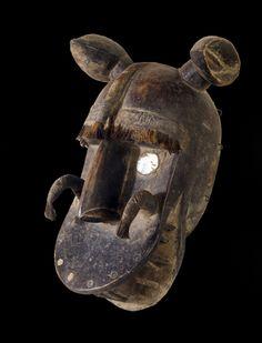 Masukun Ma you have modeled the lion of glowing eyes and Bamana tribe Kirari