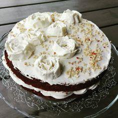 #leivojakoristele #juureshaaste Kiitos @kakkuvaltakunta Vanilla Cake, Desserts, Food, Tailgate Desserts, Deserts, Essen, Postres, Meals, Dessert