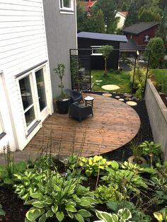 Uterom med pergola og kreative trebyggerier – Bergene Holm Blogg Backyard, Patio, Outdoor Living, Outdoor Decor, Living Spaces, Garden, Instagram, Home Decor, Steel