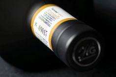 Kaltgepresstes extra natives Olivenöl aus Sevilla, Spanien.