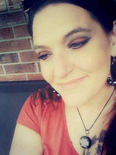 Good eyeshadow day!