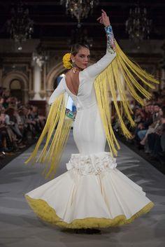 We Love Flamenco 2020 - Sevilla Dressy Dresses, Fall Dresses, Nice Dresses, Evening Dresses, Dresses For Work, Couture Dresses, Fashion Dresses, Flamenco Costume, Mellow Yellow
