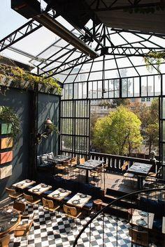 36 Amazing Glass Ceiling Design Inspirations - Modul Home Design Coffee Shop Design, Cafe Design, House Design, Commercial Design, Commercial Interiors, Studio House, Casa Hotel, Photo Deco, Dark Interiors