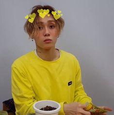 E'Dawn in yellow kills me Pentagon Members, Fandom Kpop, E Dawn, Triple H, Jay Park, Cube Entertainment, Korean Beauty, Boyfriend Material, Kpop Groups