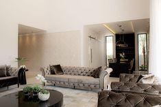 Busca imágenes de diseños de Salas de estilo moderno en blanco de Camila Castilho - Arquitetura e Interiores. Encuentra las mejores fotos para inspirarte y crea tu hogar perfecto.