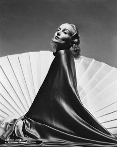"""deforest: """"Carole Lombard by William Walling, 1937 """" Old Hollywood Glam, Hollywood Icons, Golden Age Of Hollywood, Hollywood Actresses, Classic Hollywood, Carole Lombard, Actrices Hollywood, Marlene Dietrich, Vintage Glamour"""