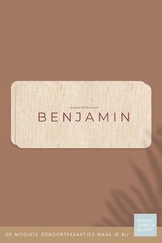 Een stoer houten geboortekaartje voor een jongen. Minimalistisch en helemaal hip! geboortekaartje   jongen   studio hemelsblauw   hout   ronde hoeken   Benjamin