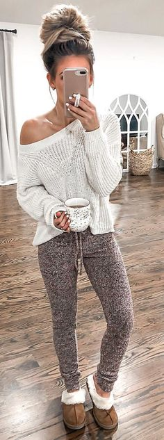 Trendy Winter Outfits To Wear Now white and brown bear plush toy Lazy Fall Outfits, Cute Lounge Outfits, Fall Winter Outfits, Casual Outfits, Cute Outfits, Spring Outfits, Look Fashion, Winter Fashion, Woman Fashion