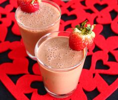 Chocolate Hazelnut for Valentine's Day! Healthy Dessert Smoothies, Chocolate Hazelnut, Refreshing Drinks, Juices, Dairy Free, Panna Cotta, Cocktails, Vegan, Live