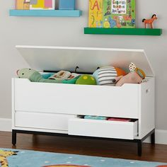 It's very easy for things to get lost in a typical toy chest since the space is so deep. The Hi-Fi Toy Box from @LandofNod comes with built-in drawers on the bottom to make the storage piece more efficient and user friendly.