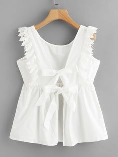 Boho Plain Regular Fit Round Neck Cap Sleeve Placket White Regular Length Tie Back Lace Trim Smock Blouse Source by daydaychic clothes fashion moda Teenager Outfits, Kids Outfits, Cute Outfits, Blouse Styles, Blouse Designs, Make Your Own Clothes, Kids Fashion, Fashion Outfits, Mode Chic