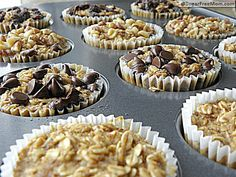 Baked oatmeal to go-- instead of granola bars! Great breakfast on the go! Only 3 points. They're tasty like a muffin, not so much a granola bar.although all I had was quick oats, maybe it would be different with the old fashoined kind. Yummy Treats, Sweet Treats, Yummy Food, Think Food, Love Food, Baked Oatmeal, Oatmeal Cups, Oatmeal Muffins, Oatmeal Cupcakes