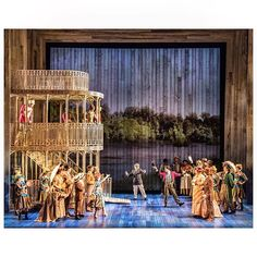 #SHOWBOAT is pulling into Boston and has its first audience tonight!! #SetDesign…