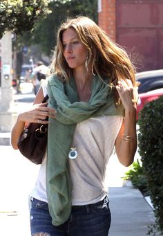 I love how comfortable she looks in her clothes, in her life. Gisele Bundchen in Santa Monica