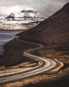 Comparateur de voyages http://www.hotels-live.com : Windy roads of Faroe Islands. Photo - @muenchmax. #OurLonelyPlanet #FaroeIslands #Europe Hotels-live.com via https://www.instagram.com/p/BDZ8c0wxtOs/ #Flickr via Hotels-live.com https://www.facebook.com/125048940862168/photos/a.968443263189394.1073741884.125048940862168/1131657170201335/?type=3 #Tumblr #Hotels-live.com