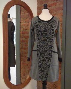 Vestido de punto roma con estampado en frente y espalda tallas SML y Xl. Pronto más colores!