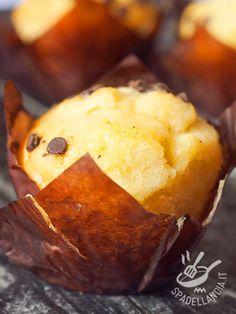 Muffins with chocolate chips (Vegan) - I Muffins alle gocce di cioccolato vegan sono dei dolcetti di tradizione americana davvero deliziosi e in questa versione ancora più buoni!