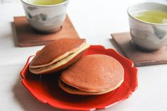 Dorayaki is one of the most popular Japanese confectioneries. It is Anko (sweet red bean paste) sandwiched between sweet pancakes. It is a Japanese sweet beloved by the old and young. It may be perfect for people who have never had any traditional Japanese sweets because it doesn't have any …