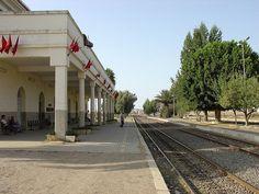 Alcazarquivir 170- las vias del tren hacia tanger