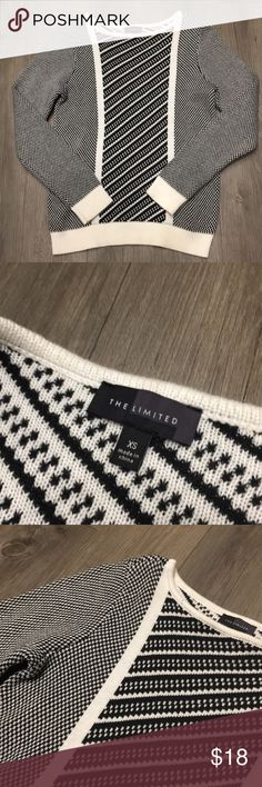 Cozy Sweater The Limited, size XS. Excellent condition! The Limited Sweaters