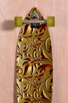 Longboard inspired by Baroque Art designed by Marcelo Marquini ( Creative Boys Club Editor ) http://www.creativeboysclub.com/tags/marcelo-marquini