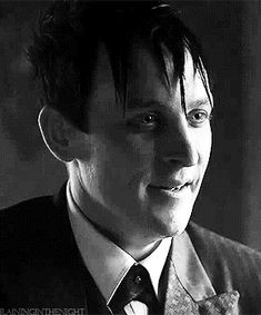 Robin Lord Taylor GIF HUNT This gif hunt contains gifs of Robin Lord Taylor. Penguin Gotham, Gotham Cast, Lord & Taylor, Penguins, Lgbt, Dc Comics, Robin, Fangirl, It Cast