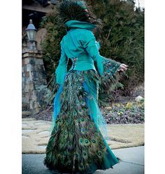 McCalls M7218, Yaya Han Peacock Jacket, Corset and Skirt - I've wanted to incorporate peacock feathers into an outfit for a long time and this is stunning! Expensive to make though.