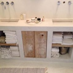 Awesome 46 Superb Tadelakt Bathroom Design Ideas For Unique Bathroom. Bathroom Furniture, Bathroom Interior, Modern Bathroom, Small Bathroom, Concrete Furniture, Antique Furniture, Concrete Wood, Boho Bathroom, Bathroom Taps