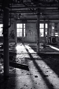 Revisiting old faithful! Black And White Building, Black And White Photo Wall, Black And White Portraits, Black And White Photography, Natural Light Photography, Black White, Urban Decay Photography, Shadow Photography, Abstract Photography