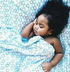 XOXO..Aww she's beyond adorable..look at all that hair..so cute