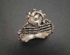 Sterling Silver Skeletal Claddagh Ring