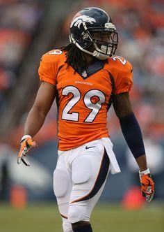 Who is your favorite Current Defensive Player Broncos fans? Denver Broncos Football, Go Broncos, Broncos Fans, Broncos Players, Pro Football Teams, Nfl Jerseys, Football Helmets, Football Stuff, Football Photos