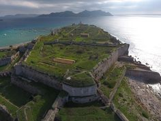 Check out this amazing photo on SkyPixel: Methoni Castle World's Biggest, Aerial Photography, Cinematography, Cool Photos, Castle, Photo And Video, Mountains, Amazing, Check
