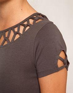 Отделка для футболки или трикотажного платья