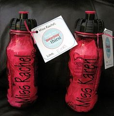water bottle, vinyl lettering (http://n8swife.blogspot.com/search/label/vinyl%20lettering)